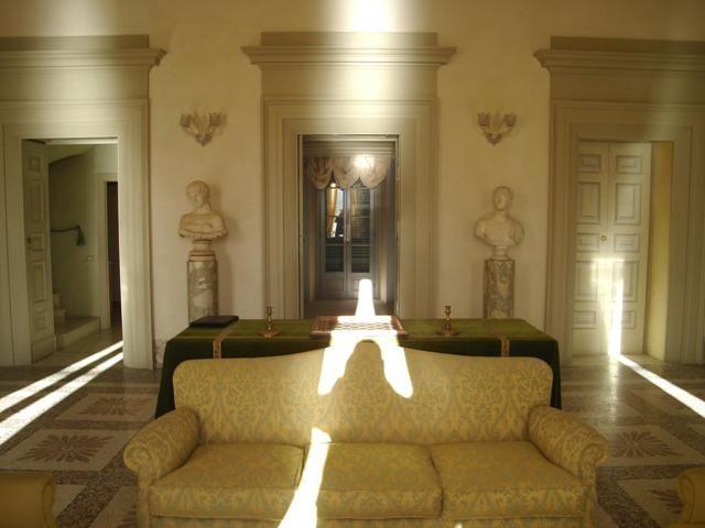 Immobiliare lago d 39 orta ita orta san giulio stupendo - Casa stile neoclassico ...