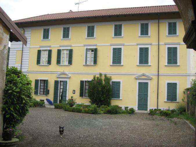 Immobiliare lago d 39 orta ita a 4 km dal lago antica for Piani casa lago stile artigiano